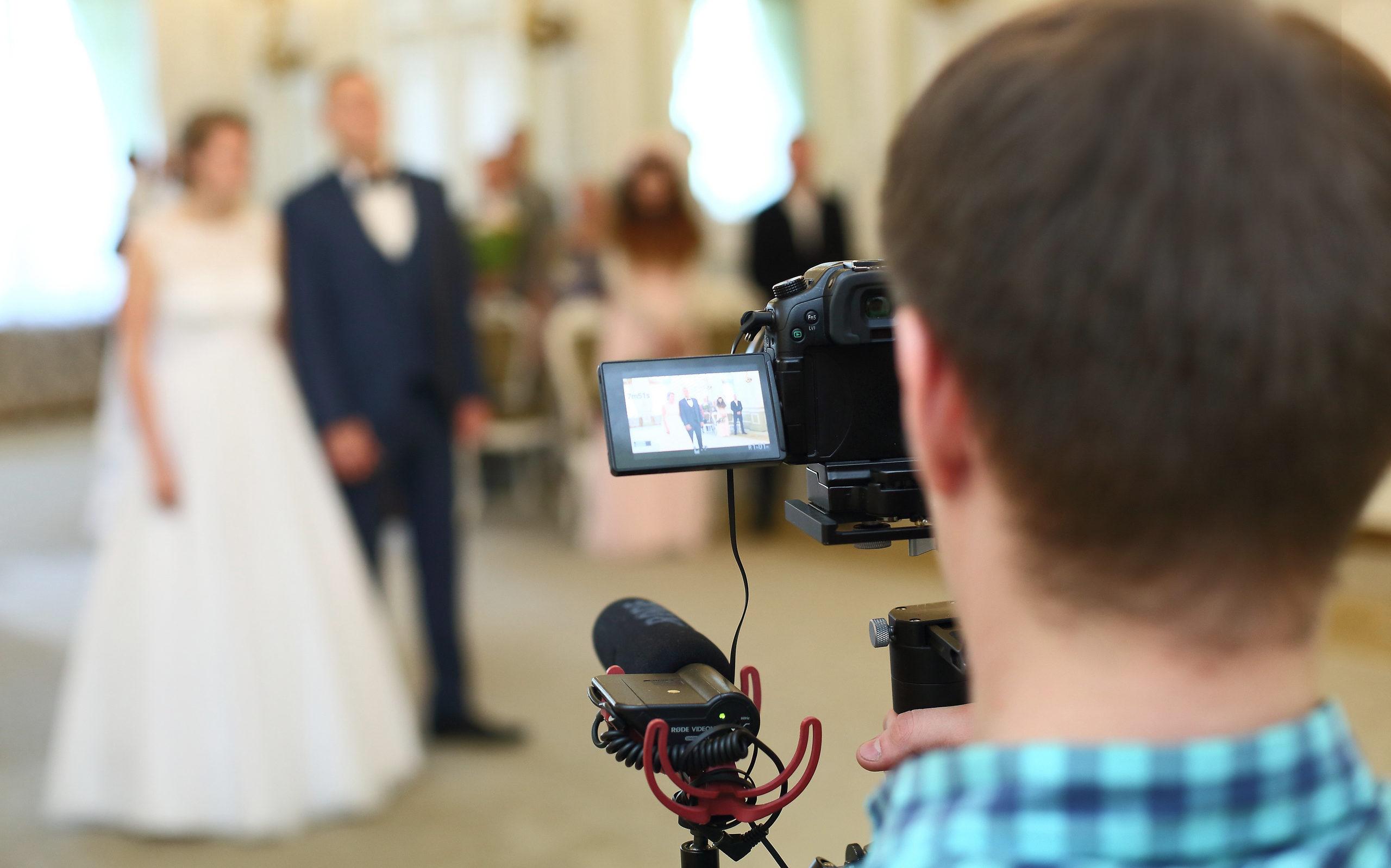 Фотограф и видеооператор на свадьбу в Санкт-Петербурге