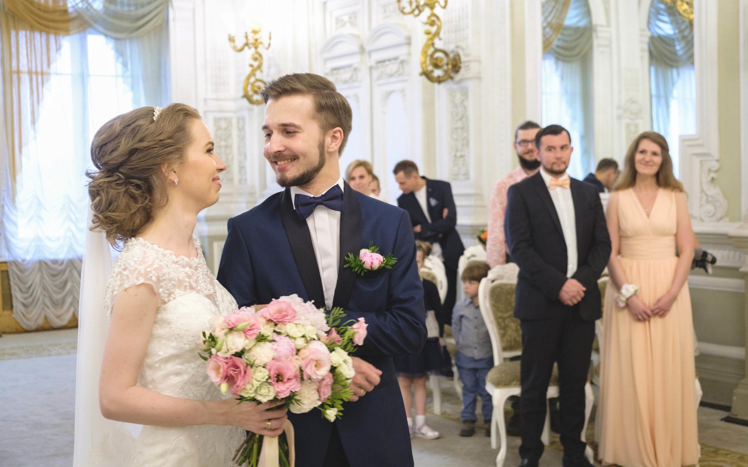 Свадебная съемка в ЗАГСе - Видеосъемка в ЗАГСе